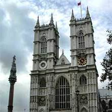 Westminster Abbey unde toti suveranii britanici de la William Cuceritorul incoace au fost incoronati