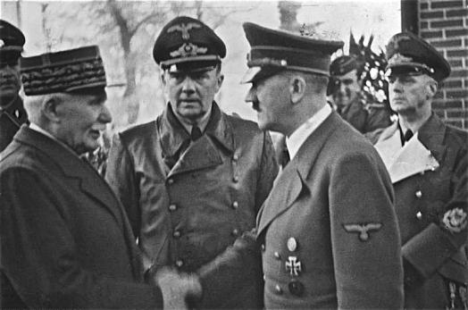 Bundesarchiv_Bild_183-H25217_Henry_Philippe_Petain_und_Adolf_Hitler_0