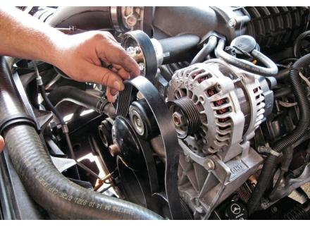 installing-serpentine-belt1045
